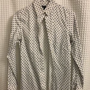 Non-iron fitted button down shirt